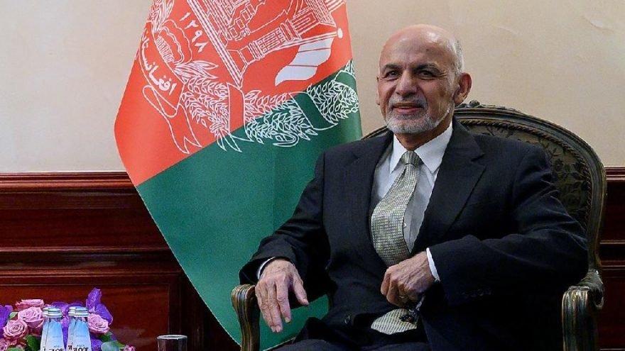 Afganistan Cumhurbaşkanı Eşref Gani ülkeyi terk etti