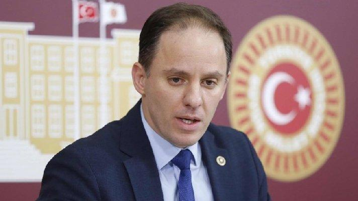 CHP'li vekil ortaya çıkardı... AKP'li başkan ikinci maaşa veda etti