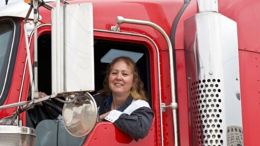 ABD'de kamyoncu sorununa 'kadın istihdamı' çözümü
