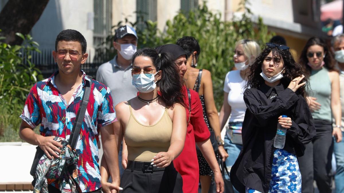 Sağlık Bakanı Fahrettin Koca kritik tabloyu paylaştı! İşte 24 Ağustos 2021 güncel corona virüsü (koronavirüs) vaka ve vefat verileri