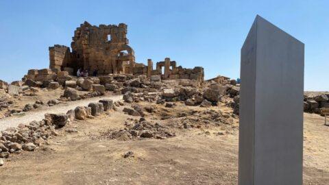 'Gizemli monolit' bu kez Diyarbakır'da ortaya çıktı