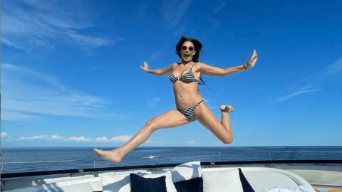 58 yaşındaki oyuncunun bikinili fotoğrafı Instagram'da olay oldu