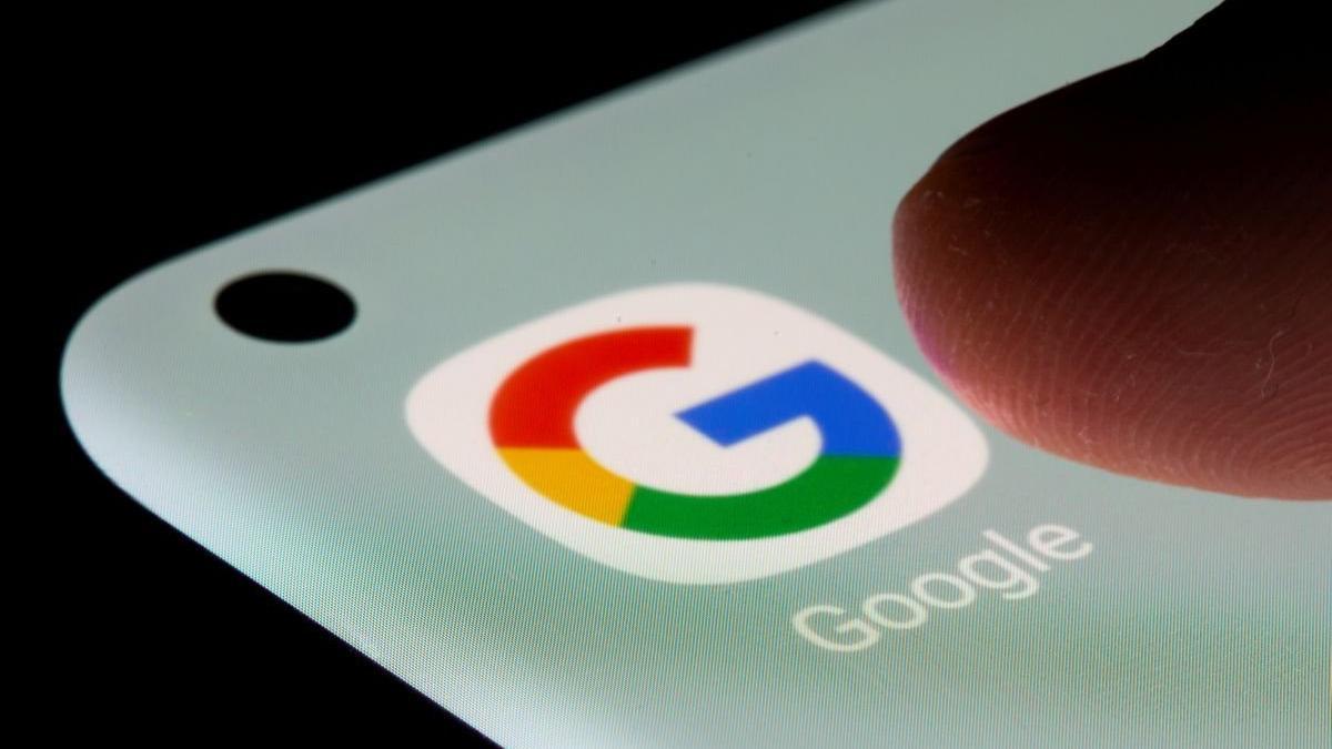 Google'dan karanlık mod güncellemesi