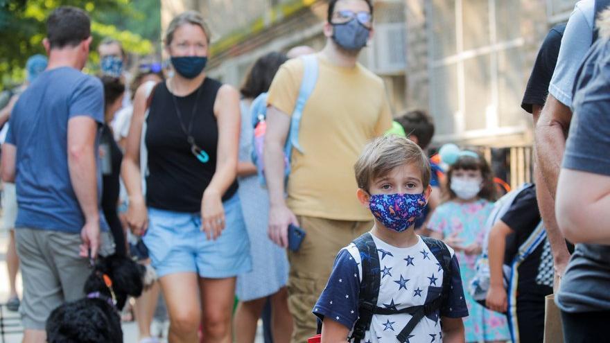 ABD'de Covid-19 paniği: Geçen hafta 243.000 çocuğa corona virüsü bulaştı