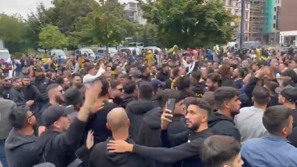 Fenerbahçeli taraftarlar, Frankfurt'u Kadıköy'e çevirdiler! Almanlar biletlerini sattı