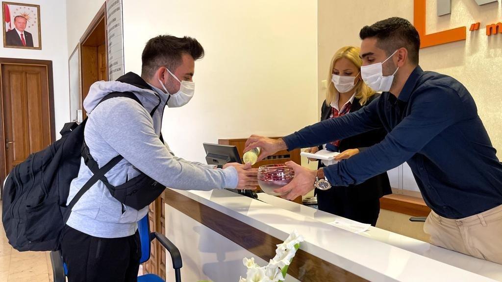 Kalacak yeri olmayan öğrenciler, kiralanan otellerde misafir edilecek