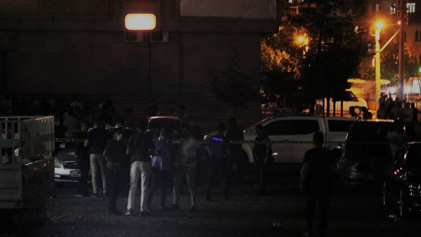 Diyarbakır'da iş yerine silahlı saldırı: 2 yaralı