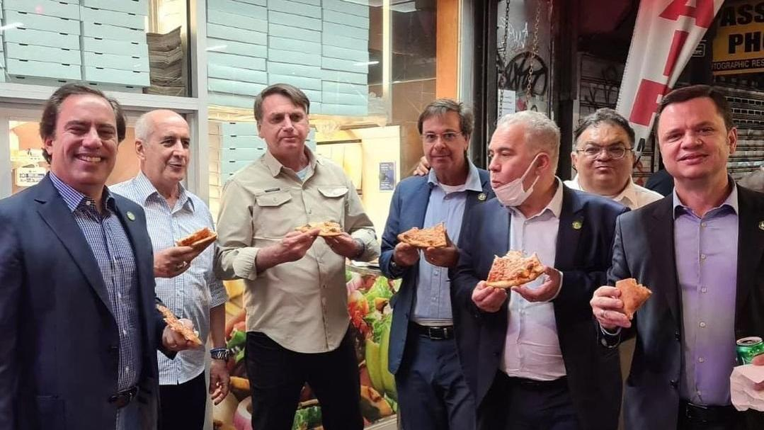 Corona aşısı yaptırmamıştı... Brezilya lideri Bolsonaro'yu pizzacı bile almadı