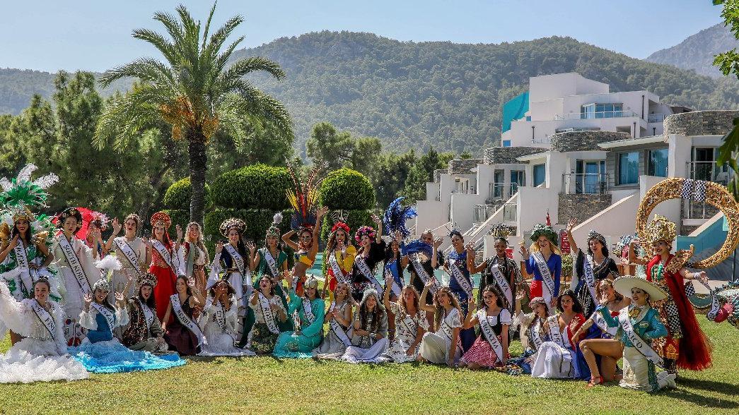 40 ülke güzeli Antalya'da kampa girdi