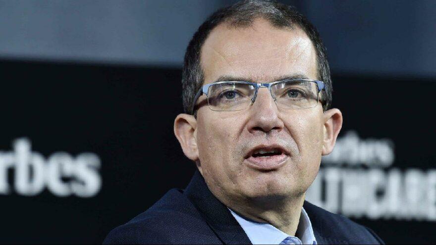 Moderna CEO'su Bancel: Salgın 1 yıl içinde bitecek