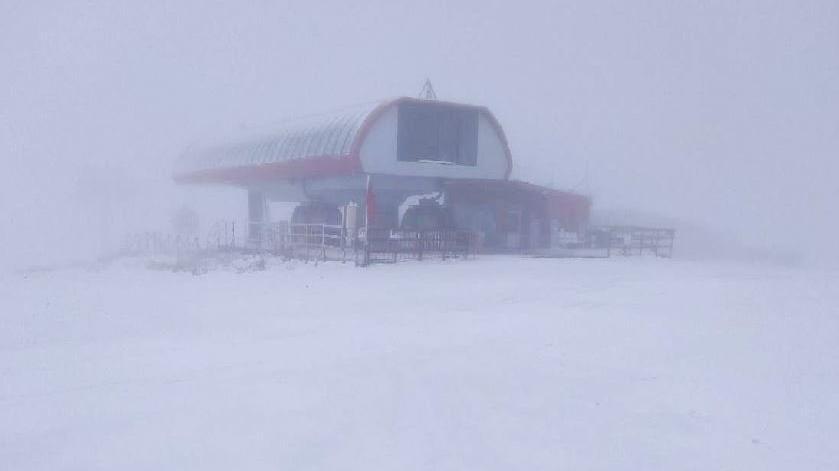Erciyes'te kar kalınlığı yer yer 10 santime ulaştı