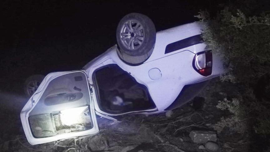Otomobil şarampolden yuvarlandı: 1 ölü, 4 yaralı
