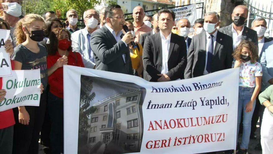 Anaokulu binası İmam Hatip'e dönüştürüldü, mahalleli isyan etti