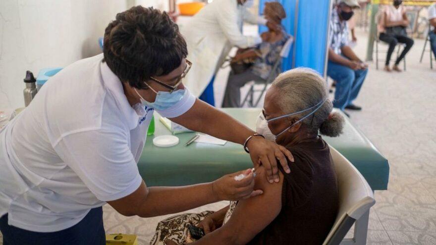 """CDC uyarıyor: """"Hastaneler aşılanmamış insanlarla dolu"""""""