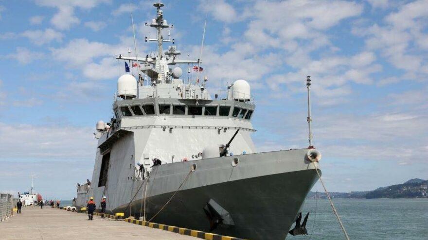Aralarında Türkiye'nin de bulunduğu NATO savaş gemileri Batum'da