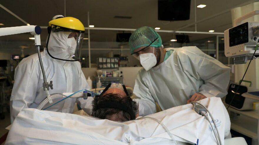 Corona virüsünü atlatan her üç kişiden biri semptomlardan kurtulamıyor