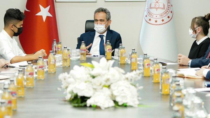 Milli Eğitim Bakanı Mahmut Özer okullara devam oranını açıkladı