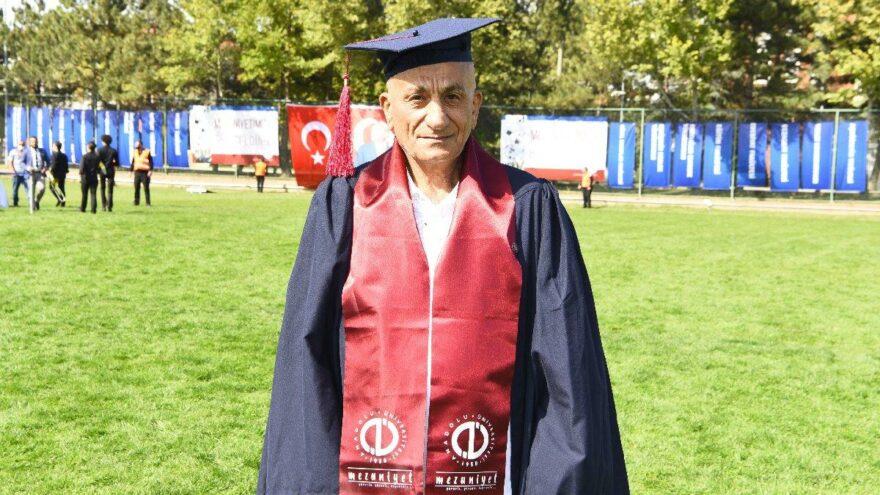 73 yaşındaki AÖF öğrencisinin mezuniyet sevinci