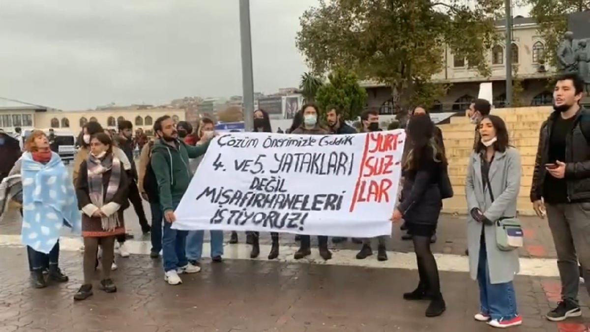 İstanbul'da 'barınamıyoruz' eylemi: Devlet misafirhaneleri öğrencilere açılsın