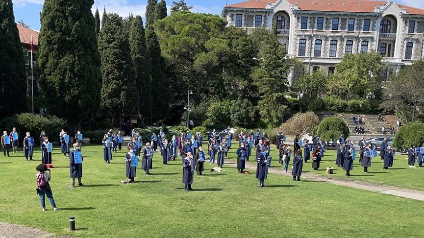 Boğaziçili akademisyenler: Yüzlerce öğrencimiz üniversite yurtlarına yerleştirilemedi