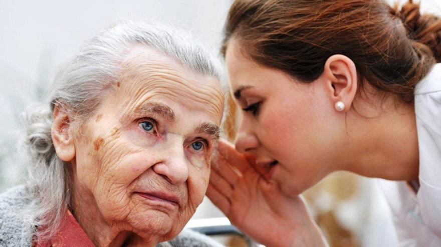 İşitme kaybı da Alzheimer nedeni