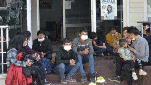 Kamyon kasasında 78 kaçak göçmen yakalandı