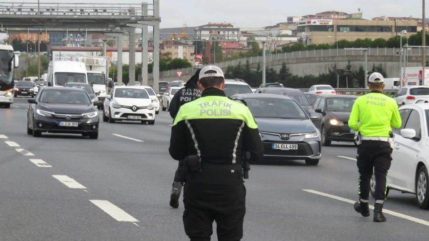 İstanbul'da helikopterli trafik denetimi