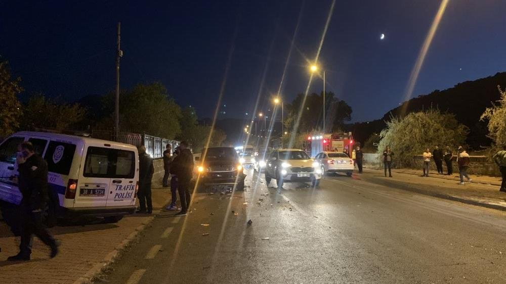 Kayseri'de facia gibi zincirleme kaza: 2'si ağır 6 yaralı