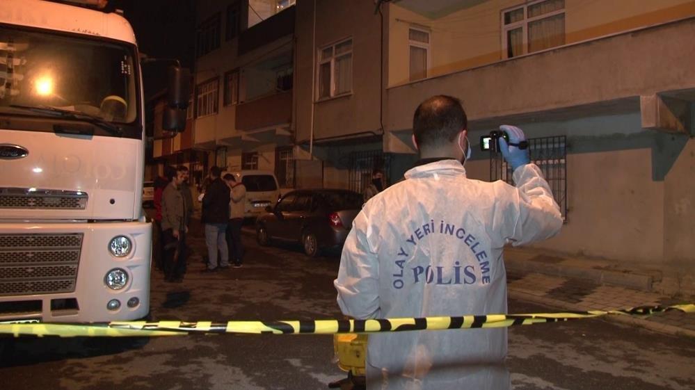 Sancaktepe'de cinnet getiren şahıs dehşet saçtı
