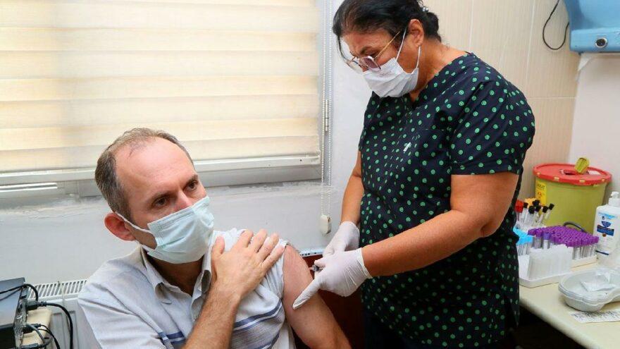 Yerli aşı 'TURKOVAC' İzmir'de ilk kez uygulandı