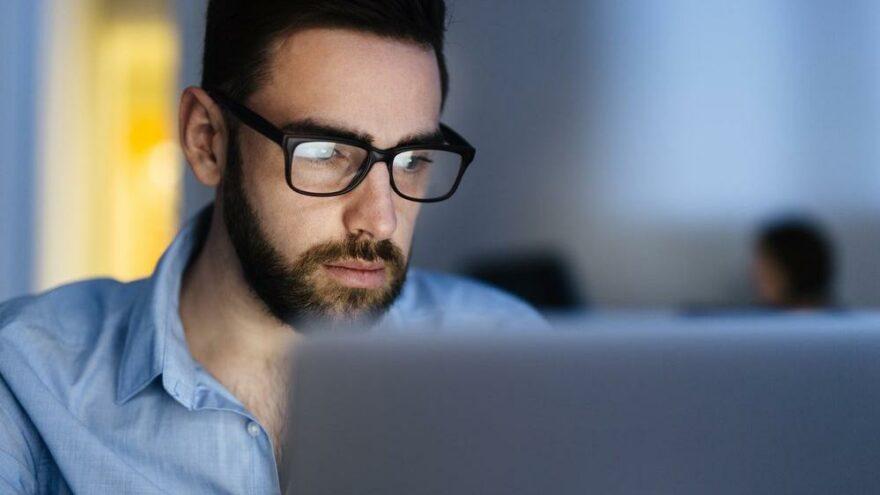 2050 yılında dünyanın yarısı gözlük takmak zorunda kalacak
