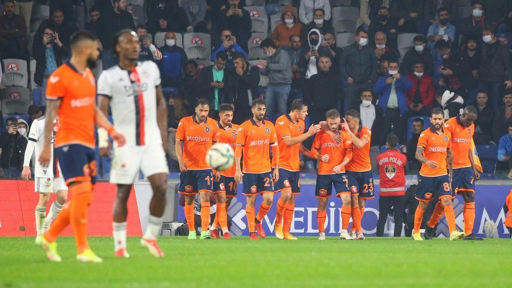 Beşiktaş 5 gollü maçta Başakşehir'den yaralı çıktı!