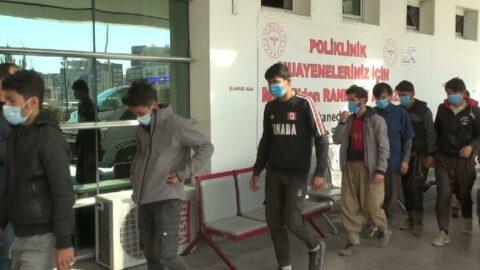 Yolcu otobüsünde 10 Afgan kaçak yakalandı