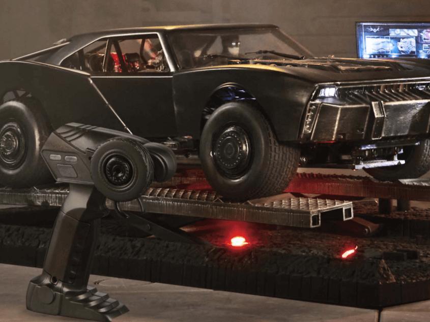 Amerikalı oyuncak üreticisi, minik Batmobile'i satışa sundu