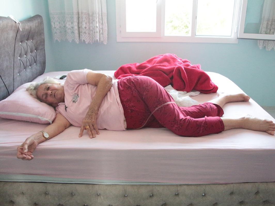 Yürüyerek girdiği hastaneden yatalak çıktı, darp edildiğini öne sürdü