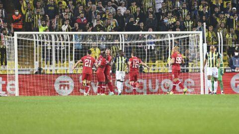 Fenerbahçe ağlarını havalandırdı, tarihe geçti