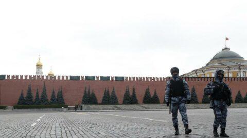 Kızıl Meydan giriş ve çıkışlara kapatıldı