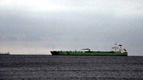 Marmara'da yoğun sis deniz trafiğini aksattı