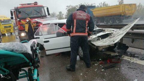 3 kazada 27 araç birbirine girdi: 3'ü ağır 17 yaralı