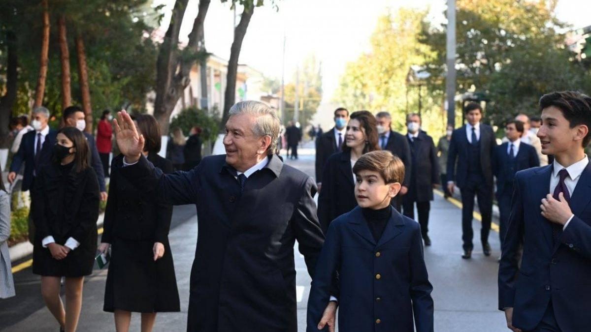 Özbekistan cumhurbaşkanlığı seçimi için sandık başında