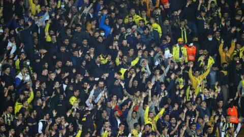 Fenerbahçe tribünleri gürledi