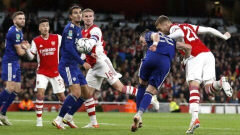 Arsenal 2 golle çeyrek finale uzandı