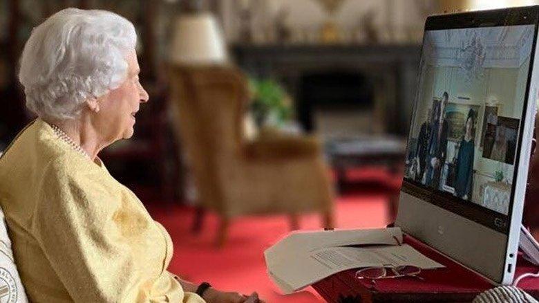 Hastaneden taburcu edilen Kraliçe Elizabeth'in yeni görüntüleri ortaya çıktı
